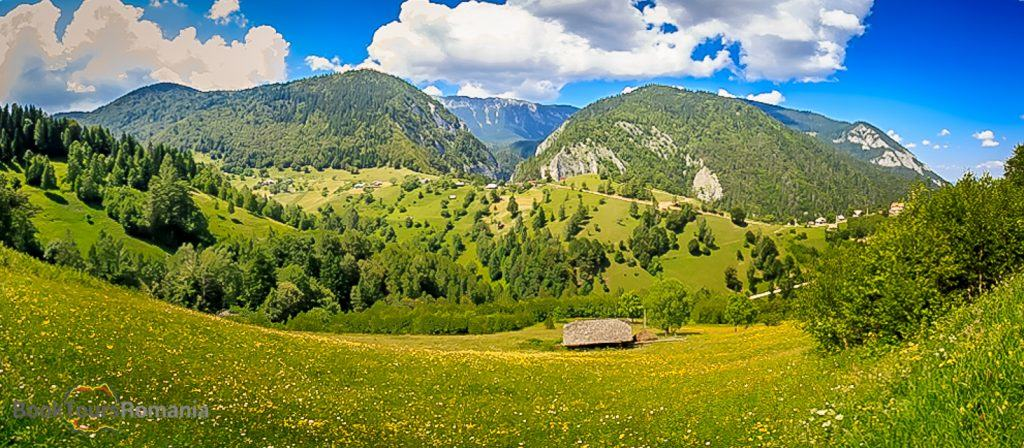 Panorama to the Piatra Craiului Mountains