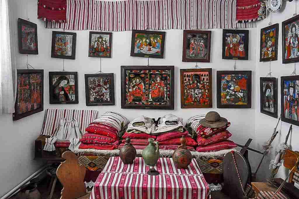 Traditional room sibiel